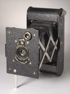 vest-pocket-autographic-kodak-camera